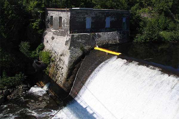 Пример 6 Установка на водослив на свободный порог