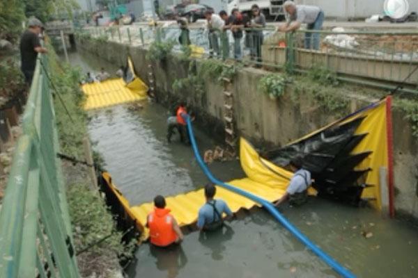 """Установка Water-Gate © в канале с двумя перемычками """"голова к хвосту"""". Сушка промежуточной секции перекачкой Grundfos."""